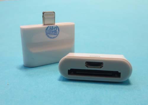 Разъем стандарта USB Адаптер 8 Pin на 30 Pin на MICRO USB /iPhone/ iPad/ iPod/ белый