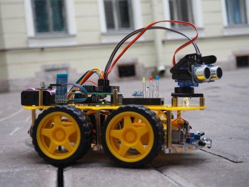 Конструктор Мобильные роботы на базе Arduino + книга