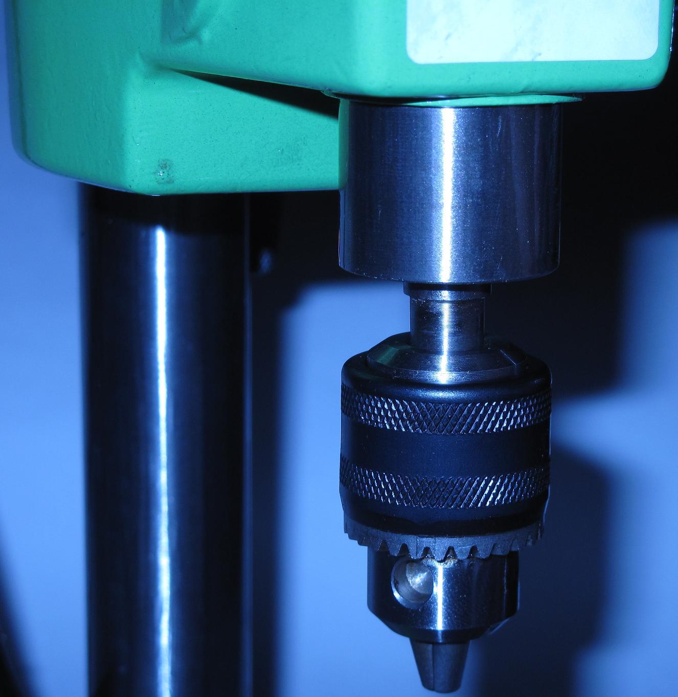 Настольный сверлильный станок ZB2506-1 мощностью 100 Вт с кулачковым патроном до 6 мм