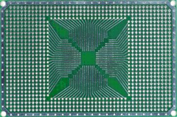 Двусторонняя макетная печатная плата QFP 28-84 PLACE  с металлизацией отверстий.