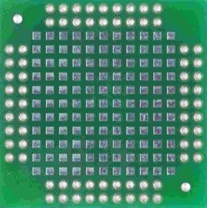 Двусторонняя макетная плата MTR248 (QFP_28-68_1.1) с металлизацией отверстий.