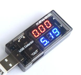 Модуль RI019. Миниатюрный цифровой проточный USB Ампер-Вольтметр KEWEISI KWS-10VA (DC 3…9 В ; 0...3 А ; +/-1 %)