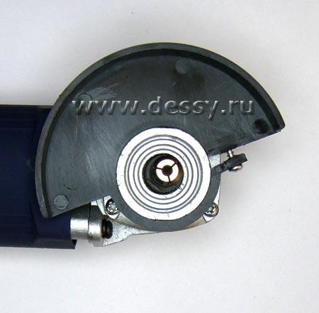 Установленная цанга 3.2 мм в торец вала шлифовальной машинки (болгарки) ROYCE RDG-500S